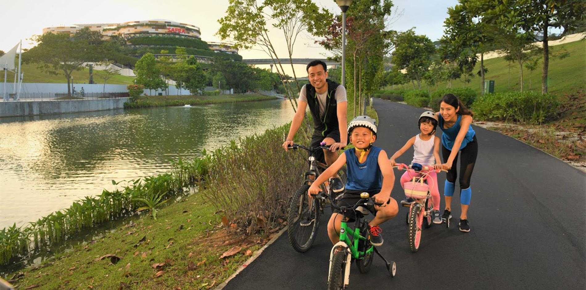 1900x940 pg family cycling